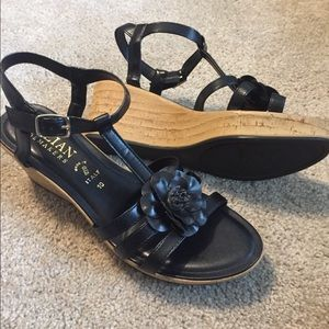 Italian Shoemakers sz 10 lightweight sandals